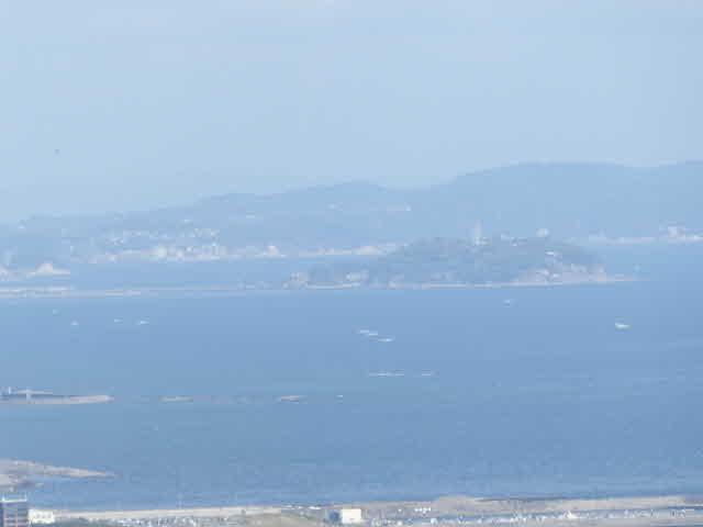 湘南平から見る江の島