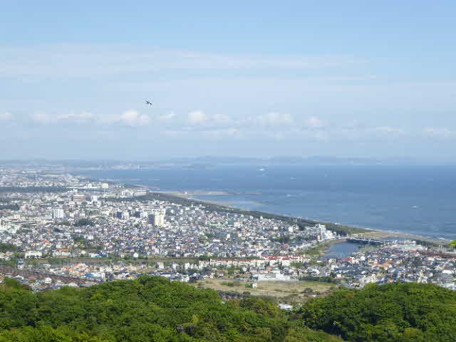 湘南平から見た江の島方面