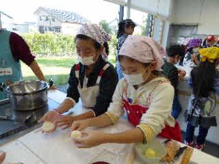 パンの形作り