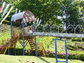 中井中央公園のローラー滑り台