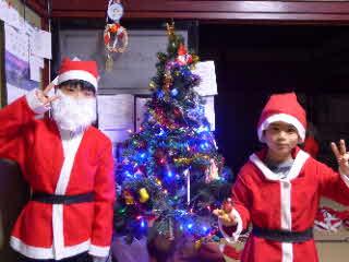 クリスマスツリーと我が子