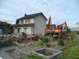 屋敷林の根の掘り起こし
